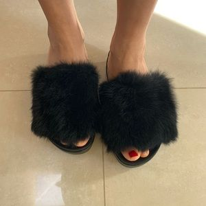 Shoes - New Fur slippers